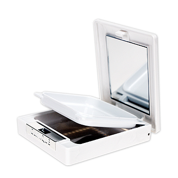 送料無料 クリニーク ダーマ ホワイト ブライト-C用パクト  定価1,080円